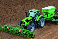7 Series Agrotron TTV Photo 2